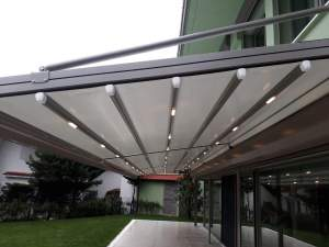 Motorized pergola system - Oba7 Marbella - natural marble stones, doors and windows